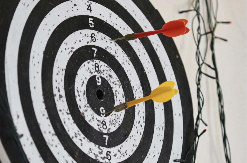 bullseye target darts